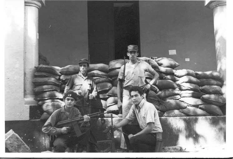 Militares constitucionalistas armados