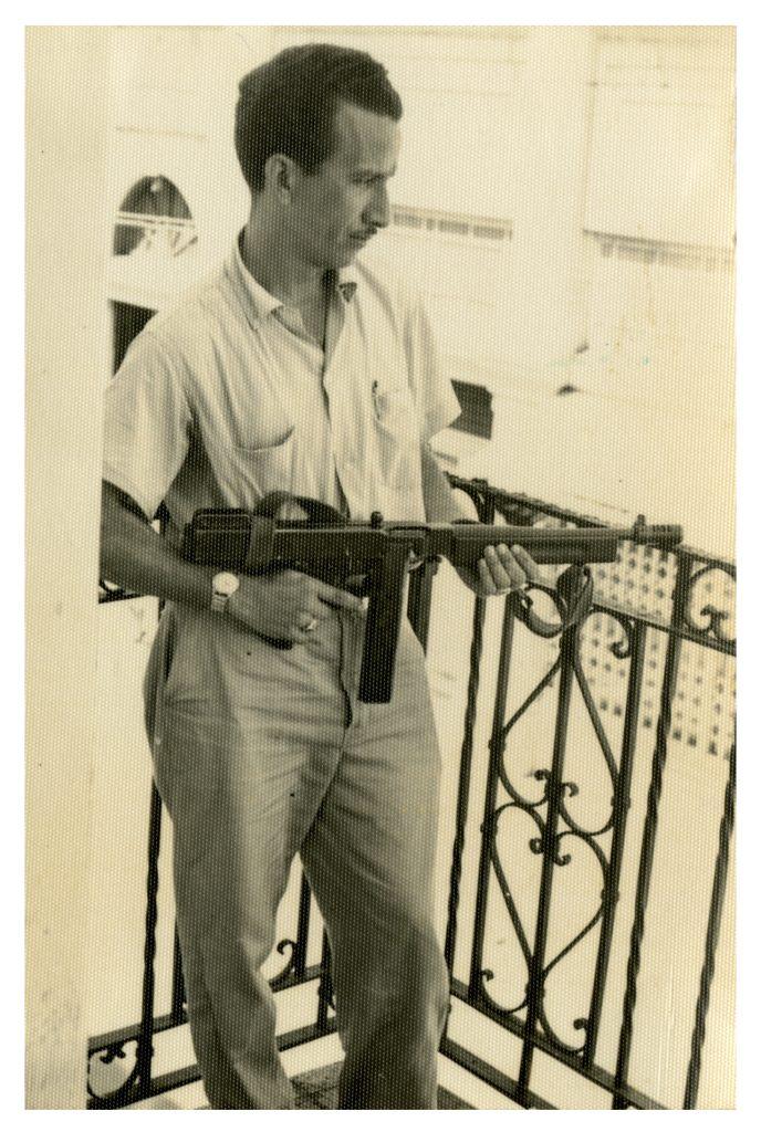 Civil constitucionalista armado