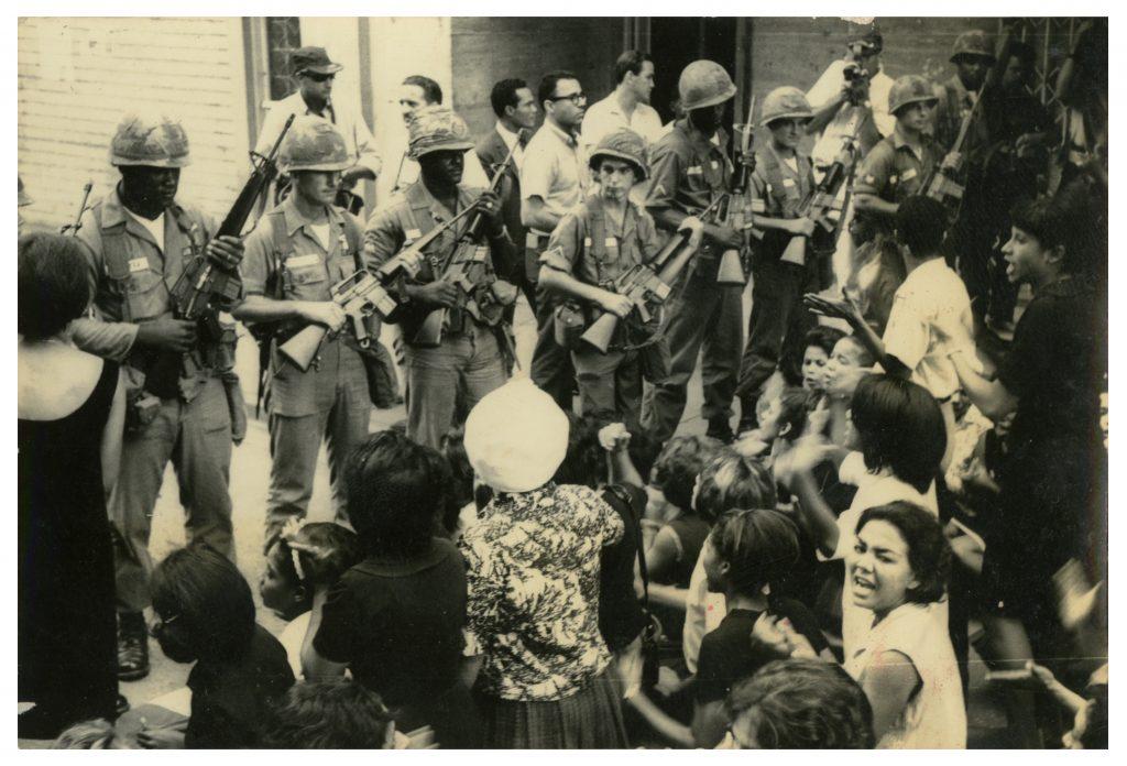Soldados americanos con M16